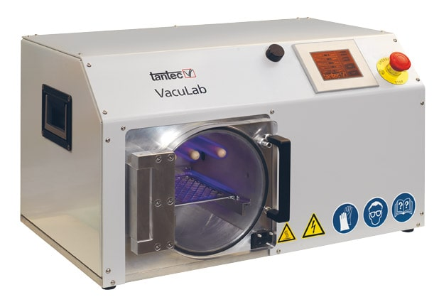 Tantec Plazma VacuLAB – Vakuová plazma s pracovní komorou pro menší díly a testování