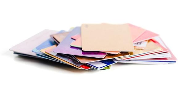 Vylepšení kvality potisku plastových karet prostřednictvím plazmové úpravy povrchu